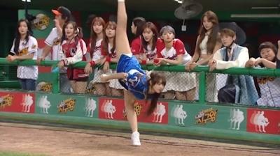 宇宙少女 ソンソ 春麗コスプレで始球式 2