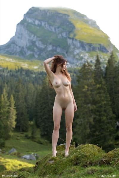 Kinga Nude 3