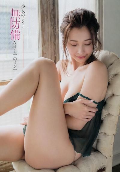 山崎真実 セクシーセミヌード画像 4