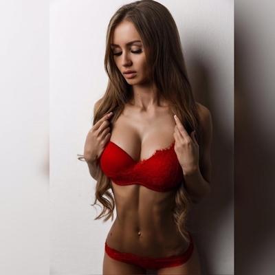 ロシアの美女モデル Valenti Vitel(ヴァレンティ・ヴィテル)のくびれボディがスゴイ 3