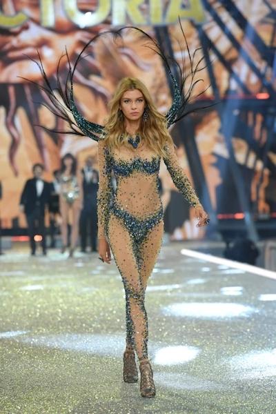 Victoria's Secret(ヴィクトリアズ・シークレット) ファッションショー2016 14