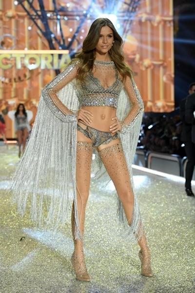 Victoria's Secret(ヴィクトリアズ・シークレット) ファッションショー2016 18