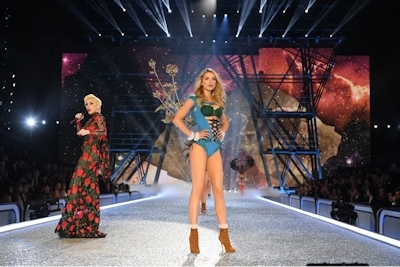 Victoria's Secret(ヴィクトリアズ・シークレット) ファッションショー2016 20