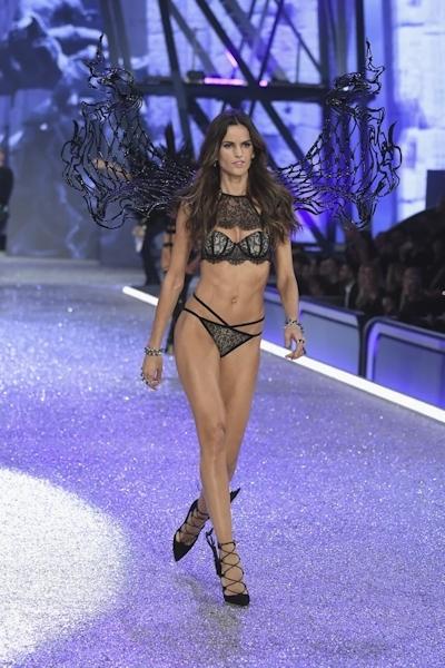 Victoria's Secret(ヴィクトリアズ・シークレット) ファッションショー2016 26