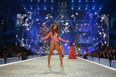 Victoria's Secret(ヴィクトリアズ・シークレット) ファッションショー2016 40