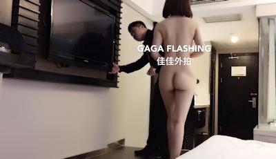 テレビが映らないとホテルマンを部屋に呼んで全裸で出迎えちゃう中国女性の露出プレイ画像 4