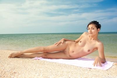 インド素人美女のヌード画像 8