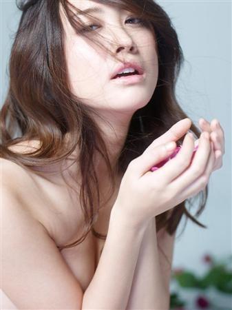 飛鳥凛、初ヌード写真集で美しい肢体「全てをさらけ出した作品」 -SANSPO.COM
