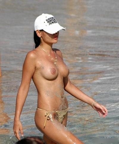 ヌーディストビーチの美女たちの画像 4