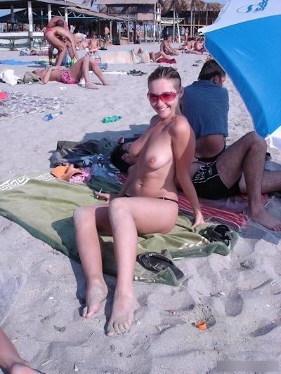 ヌーディストビーチの美女たちの画像 9