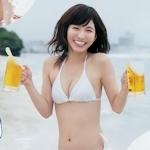 """""""可愛すぎるビールの売り子"""" ほのか セクシービキニ画像"""