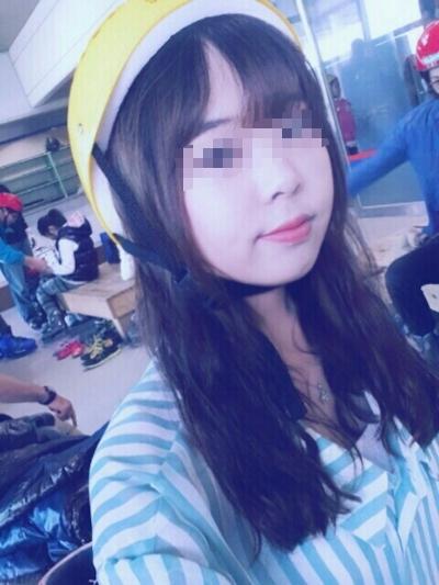 美乳な韓国の美少女の流出ヌード画像 3