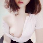 韓国素人少女の自分撮りヌード画像