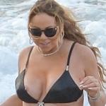 Mariah Carey(マライヤ・キャリー)がハワイのビーチで乳首ポロリ