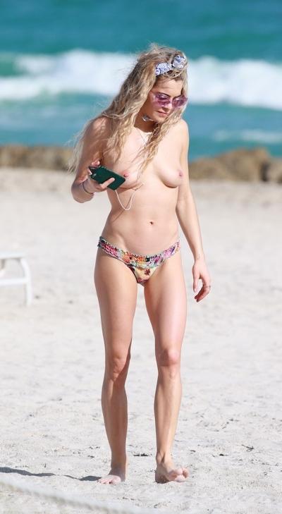 DJ&モデル Chelsea Leyland(チェルシー・レイランド) パパラッチされたトップレス画像 3