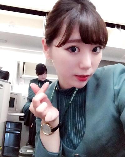 長榮航空(エバー航空)のCA 花子(Karina)が美人でセクシーと話題 2