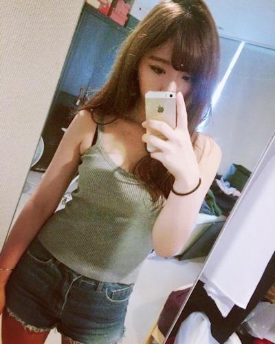 長榮航空(エバー航空)のCA 花子(Karina)が美人でセクシーと話題 9