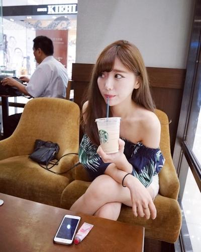 長榮航空(エバー航空)のCA 花子(Karina)が美人でセクシーと話題 10