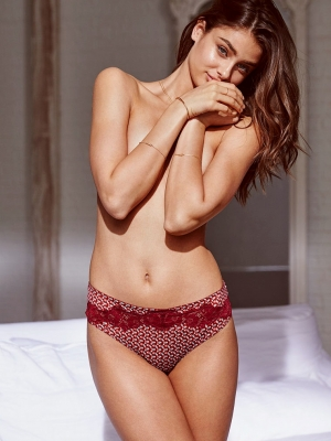 Taylor-Marie-Hill-280826 (5)