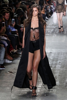 Taylor-Marie-Hill-280916 (6)