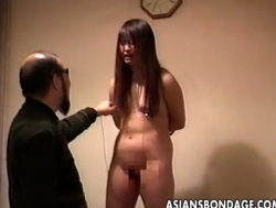 Loud ass Asian slut getting slapped and is tied up - XVIDEOS.COM(4)