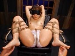 【SM】極太ディルドで美人のアソコはドロドロに! - エロ動画 アダルト動画