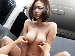 【企画】キャンプ場でナンパした美巨乳娘と車の中でSEXできたw