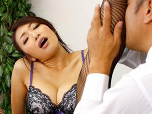 美脚女教師が校長にミニスカを注意され脚責め足コキ網タイツを穿いたままのSEXで買収 小早川怜子