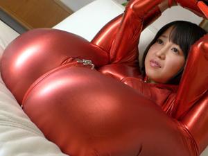 キャットスーツの軟体痴女がアナルSEXの前にフェラ抜きごっくんデモンストレーション 篠田ゆう