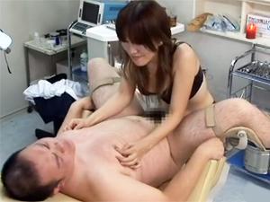 女医が精神も肉体も徹底的に痛めつけるM男専門医療プレイ特別治療 澤野井奏女王様