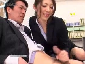 宮瀬リコ 淫語責め手コキで射精に誘う痴女OL