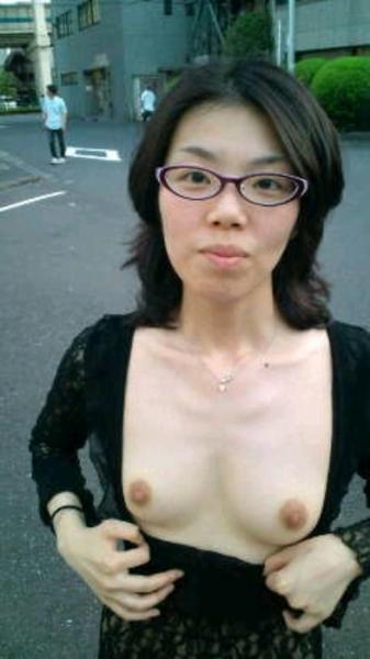 めがねの貧乳・微乳 人妻2