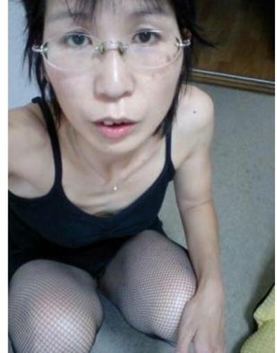めがねの貧乳・微乳 人妻3