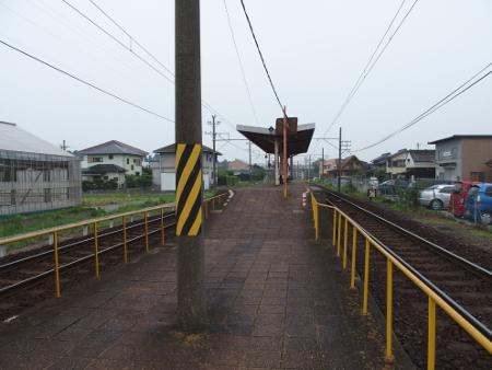 平津駅 ホーム