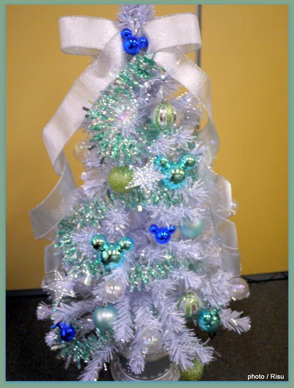 ディズニー クリスマスツリー「シャイニーロマネスク~フローズンブルー~」