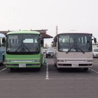 並んだ路線バス
