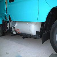 バイフューエルエンジンのトラック