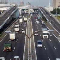 上から写した高速道路