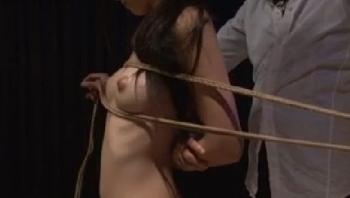 【数量限定】古川いおり 陵辱、大好き。泣くほど感じる 犯されたい体 パンティと写真付き - 無料エロ動画 - DMMアダルト(1)
