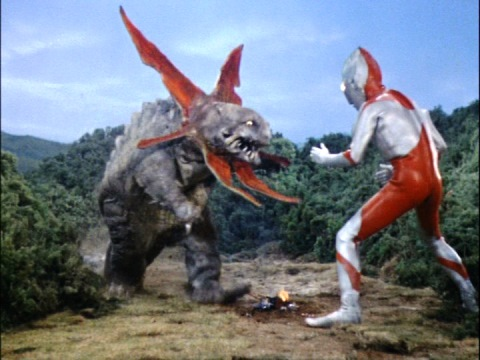 ウルトラマン vs ガボラ