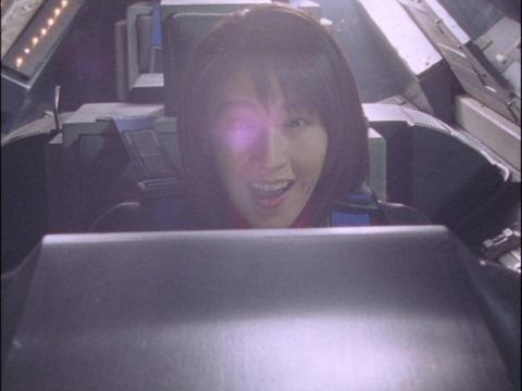 ダイナの勝利!と思ったユミムラ・リョウ隊員(演:斉藤りさ) しかしその後・・・