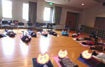 2015 10gatu 高島公民館 寝る