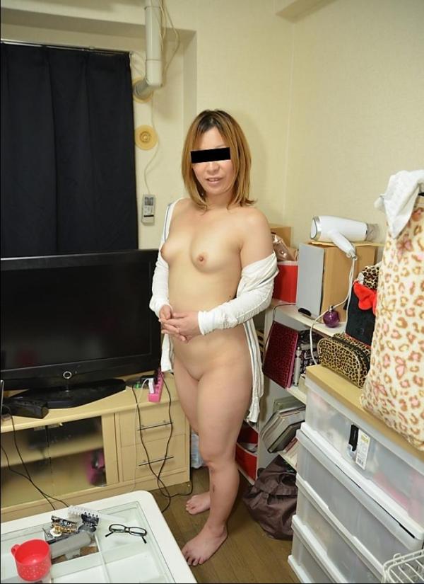 20代若妻・新妻・若奥さんのエロ画像-9