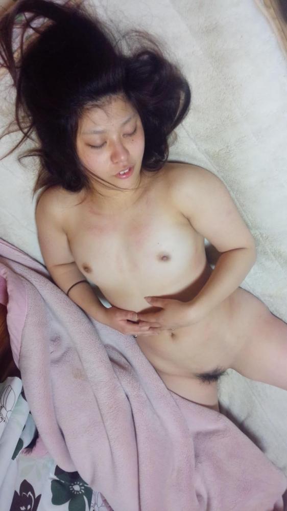20代若妻・新妻・若奥さんのエロ画像-25