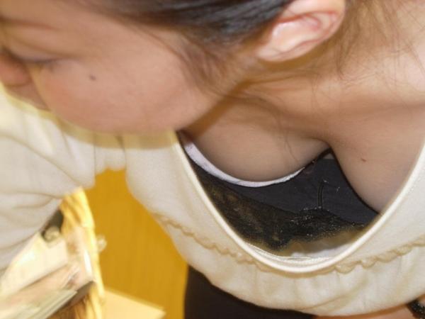 胸チラ画像-39