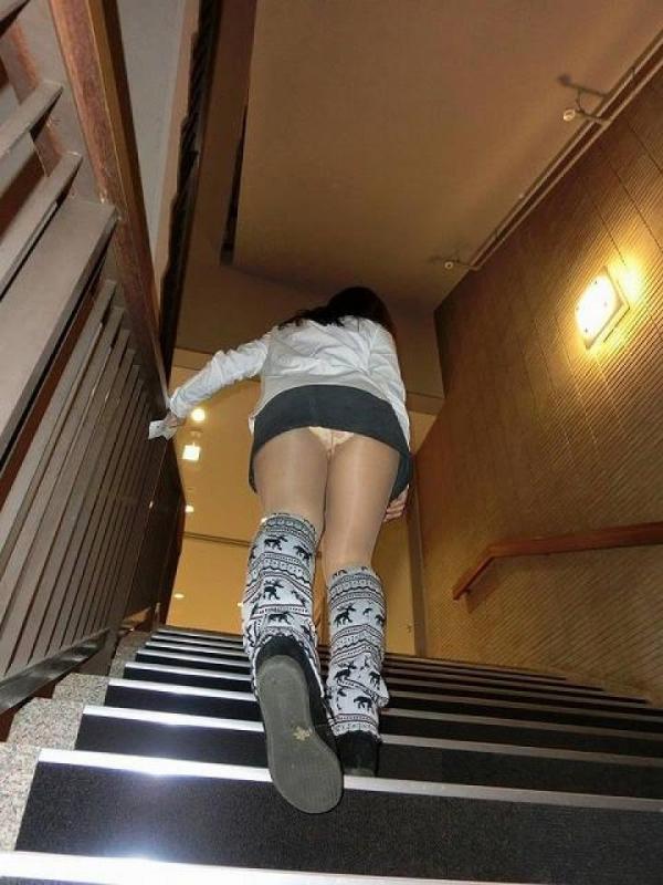 階段パンチラ画像&エスカレーターパンチラ画像-1