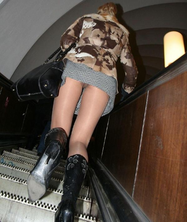 階段パンチラ画像&エスカレーターパンチラ画像-14
