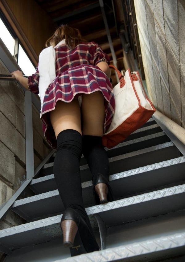 階段パンチラ画像&エスカレーターパンチラ画像-22