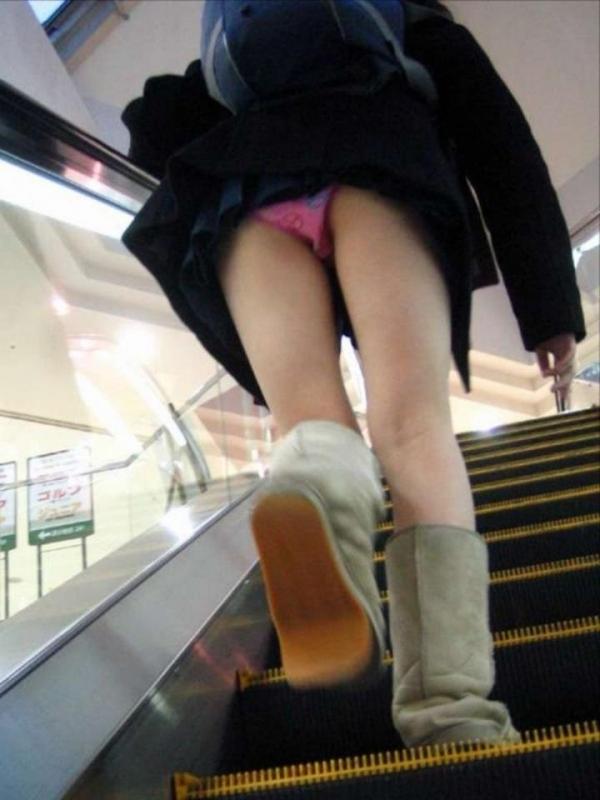 階段パンチラ画像&エスカレーターパンチラ画像-32
