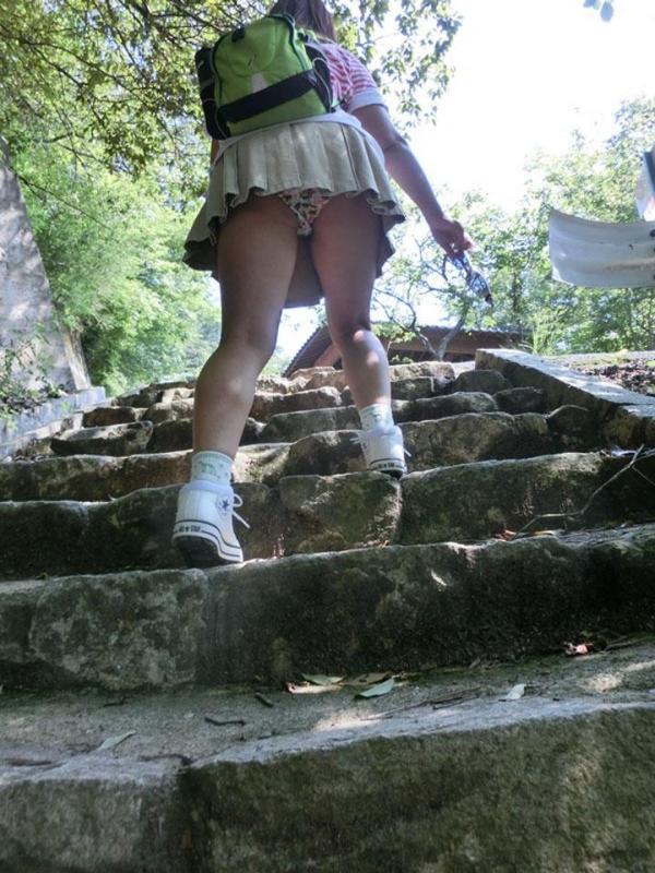 階段パンチラ画像&エスカレーターパンチラ画像-39